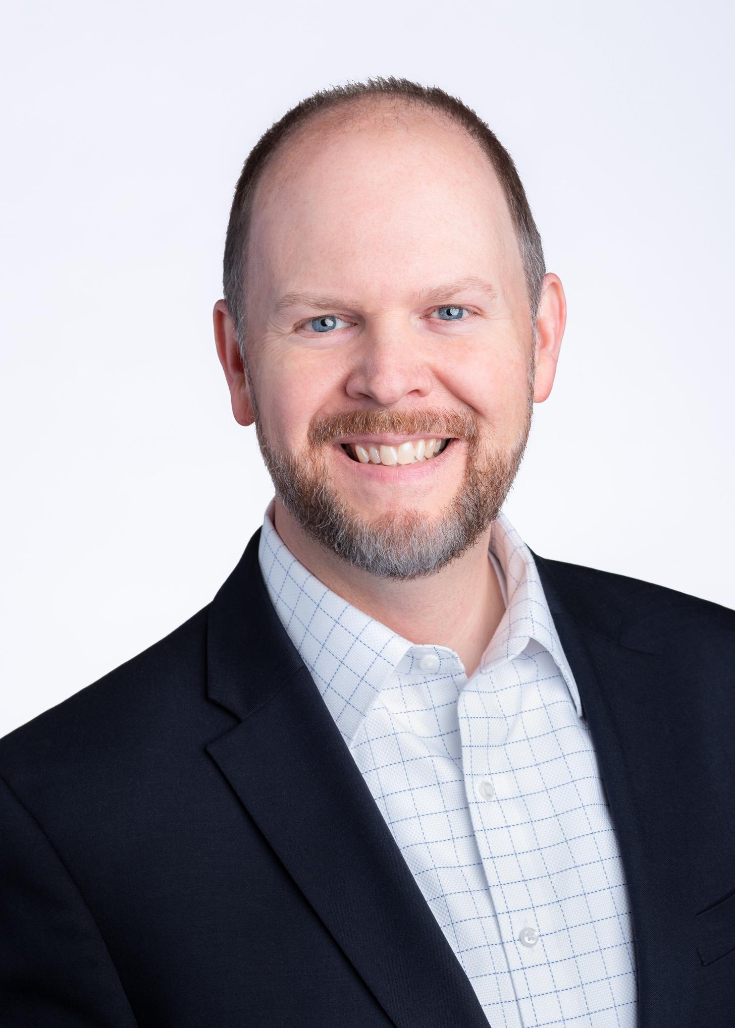 headshot of Scott Ellis