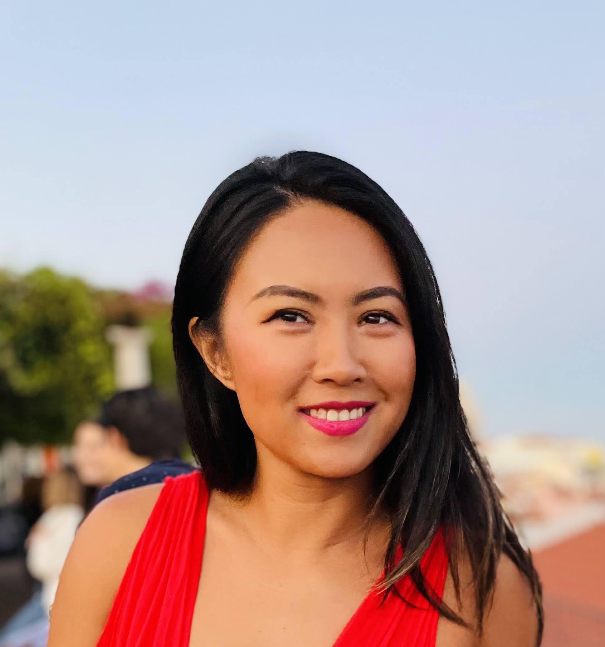 headshot of Stephanie Win Hu
