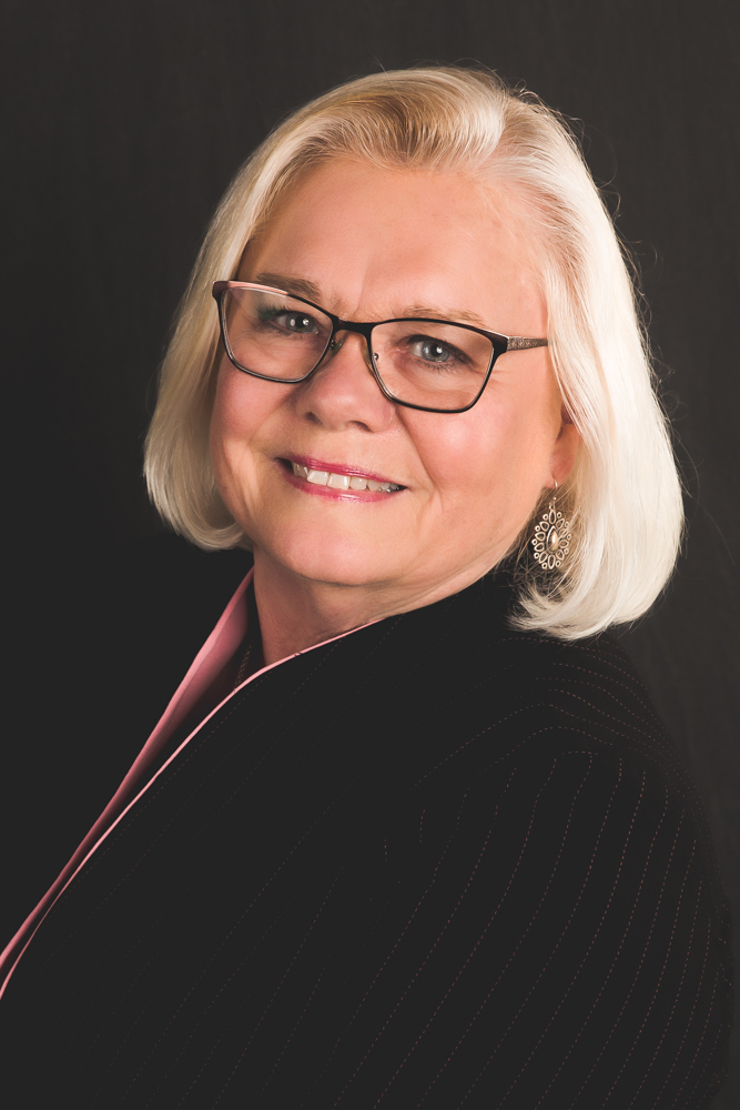 headshot of Linda Drozd