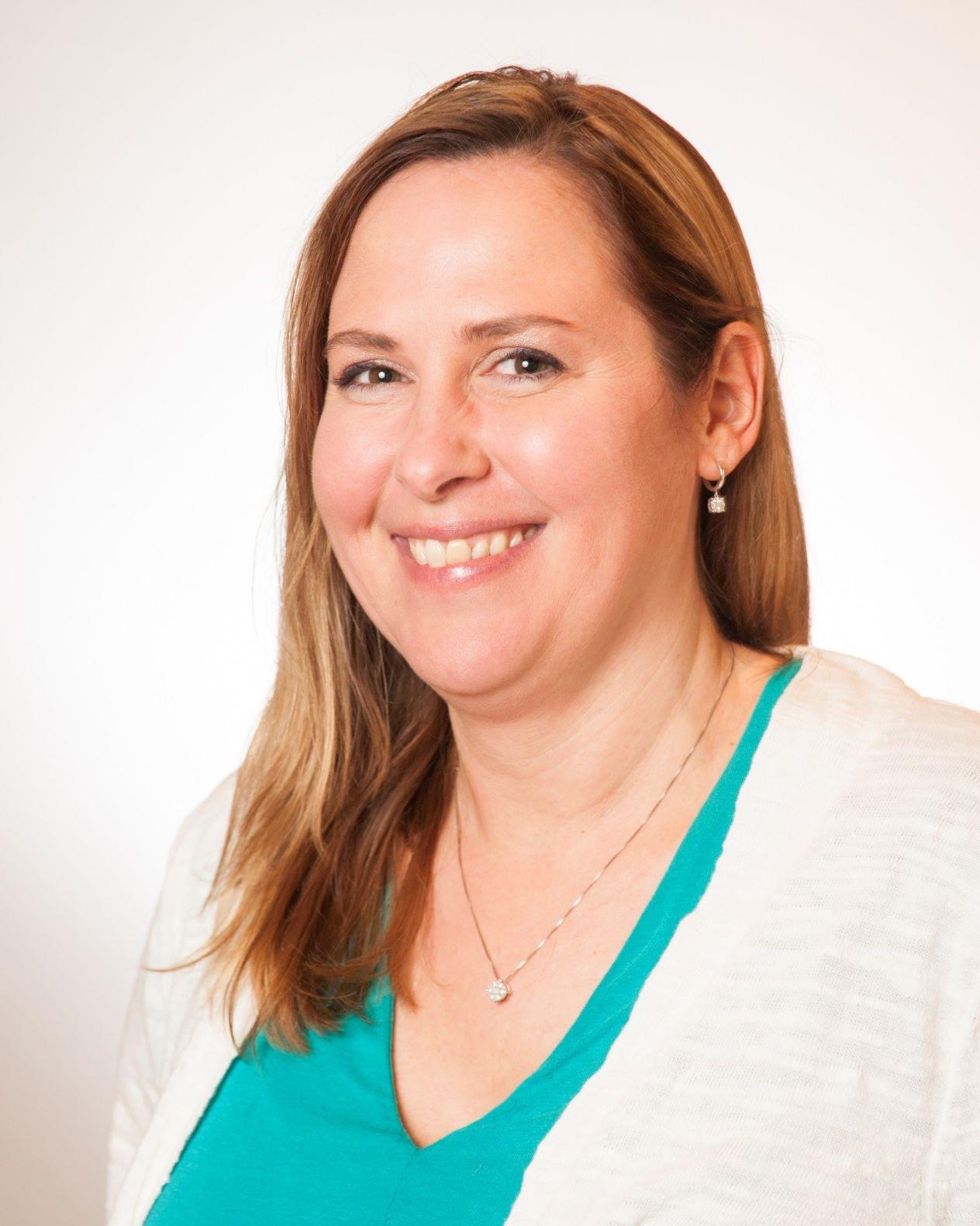 headshot of Sarah Sederstrom